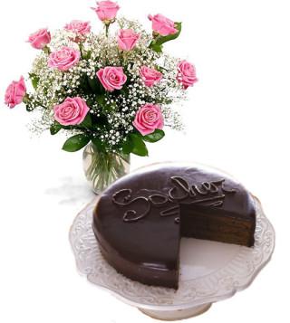 consegna-torta-sacher-con-roselline-rosa