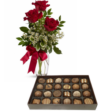 scatola-di-cioccolatini-con-tre-rose-rosse
