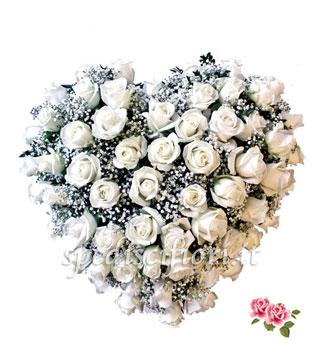 cuore-di-rose-bianche