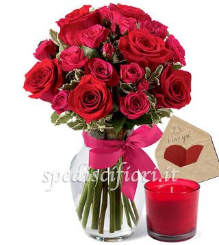 bouquet-di-rose-e-roselline-con-candela-con-bigliettino