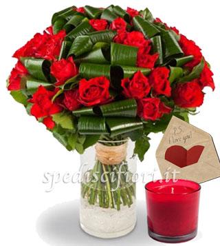 bouquet-di-roselline-con-candela-e-bigliettino