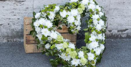 frasi corona funebre